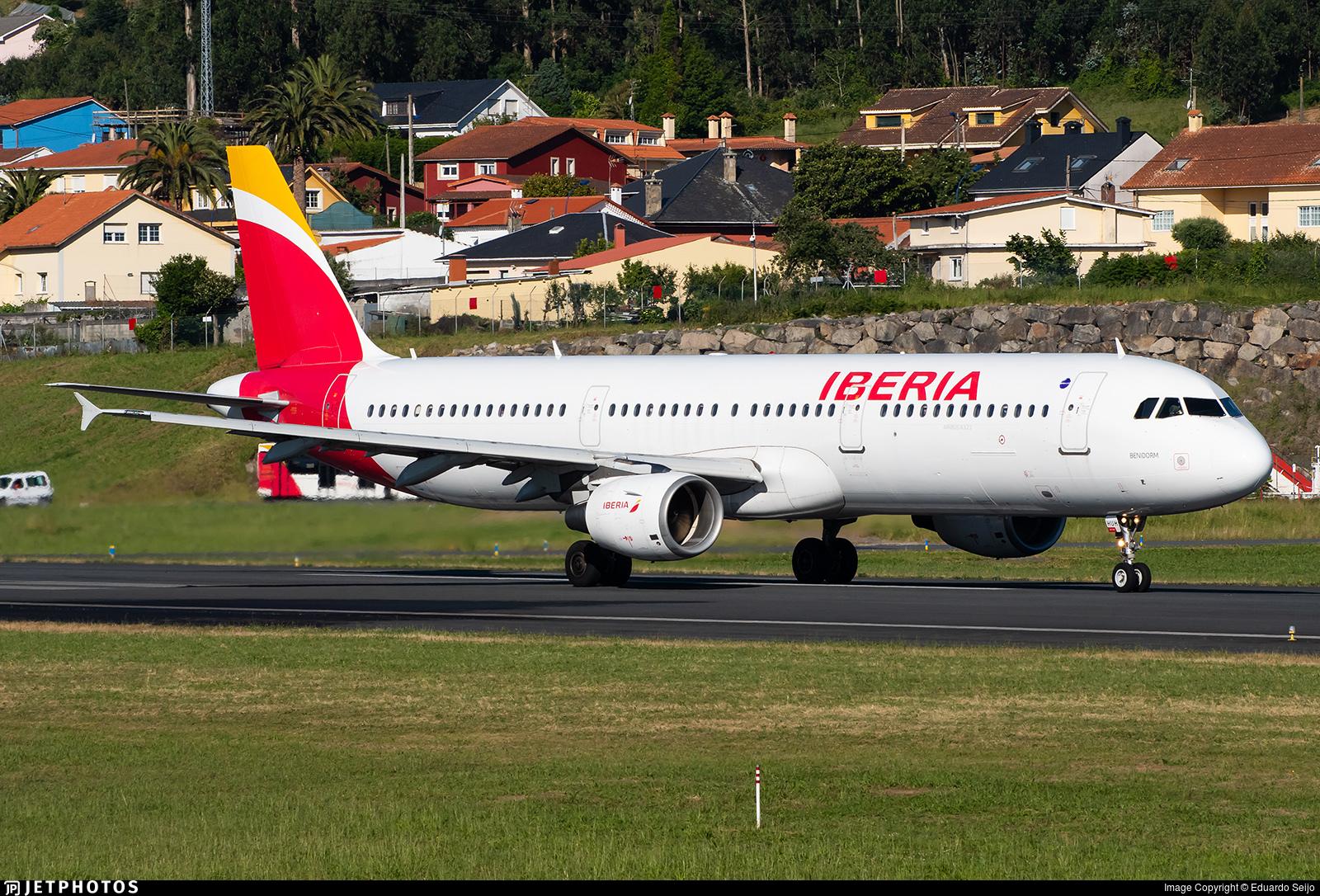 EC-HUH - Airbus A321-212 - Iberia