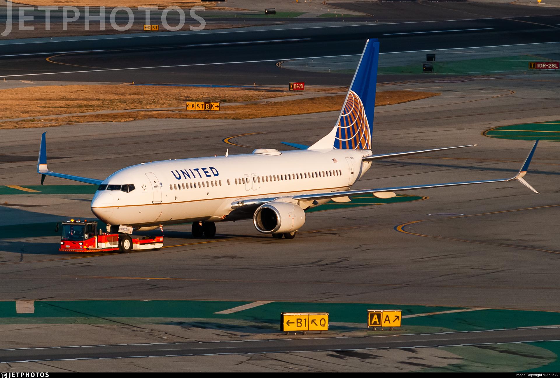 N73275 - Boeing 737-824 - United Airlines