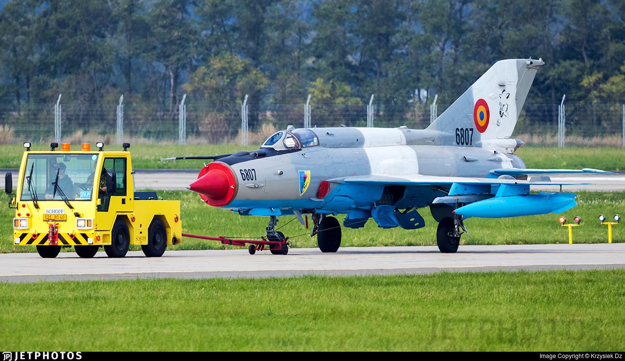 6807 - Mikoyan-Gurevich MiG-21MF Lancer C - Romania - Air Force