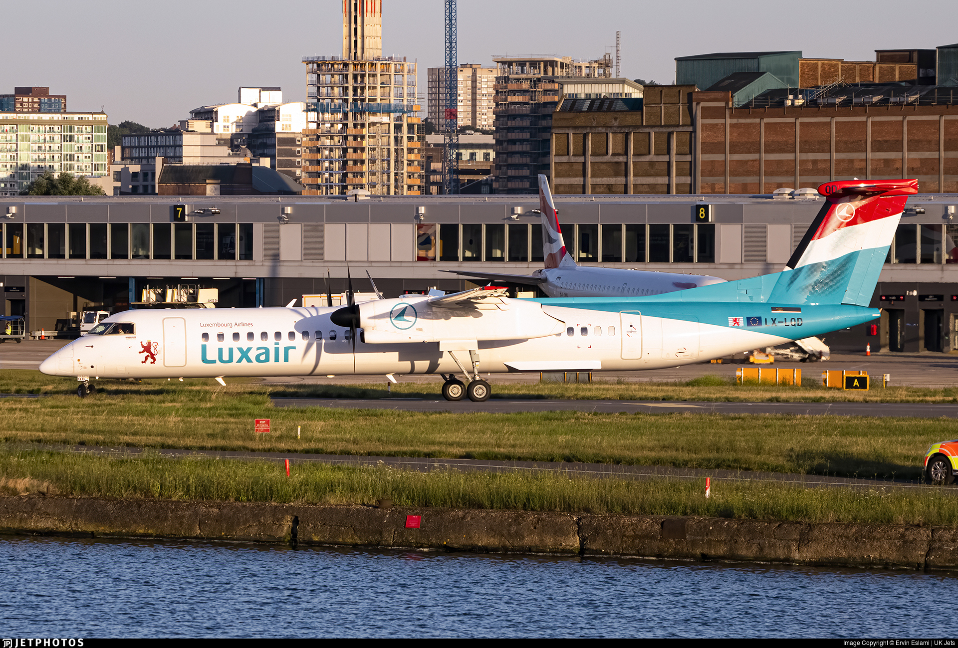 LX-LQD - Bombardier Dash 8-Q402 - Luxair - Luxembourg Airlines