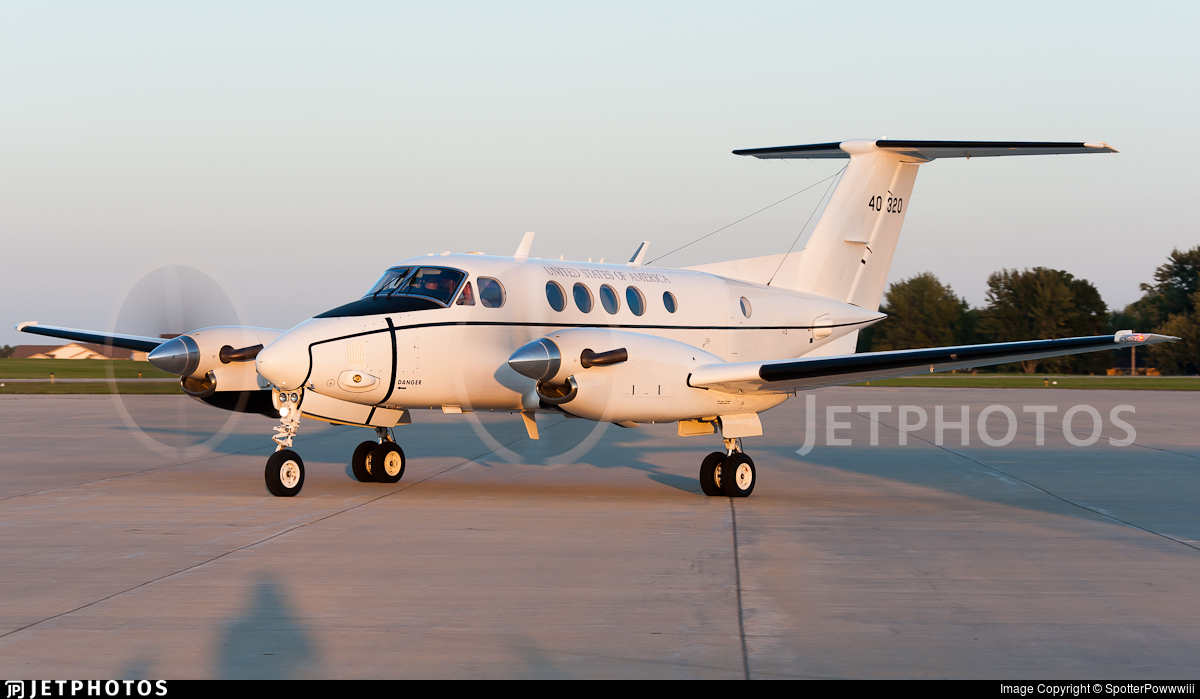 94-00320 - Beechcraft C-12R Huron - United States - US Air Force (USAF)