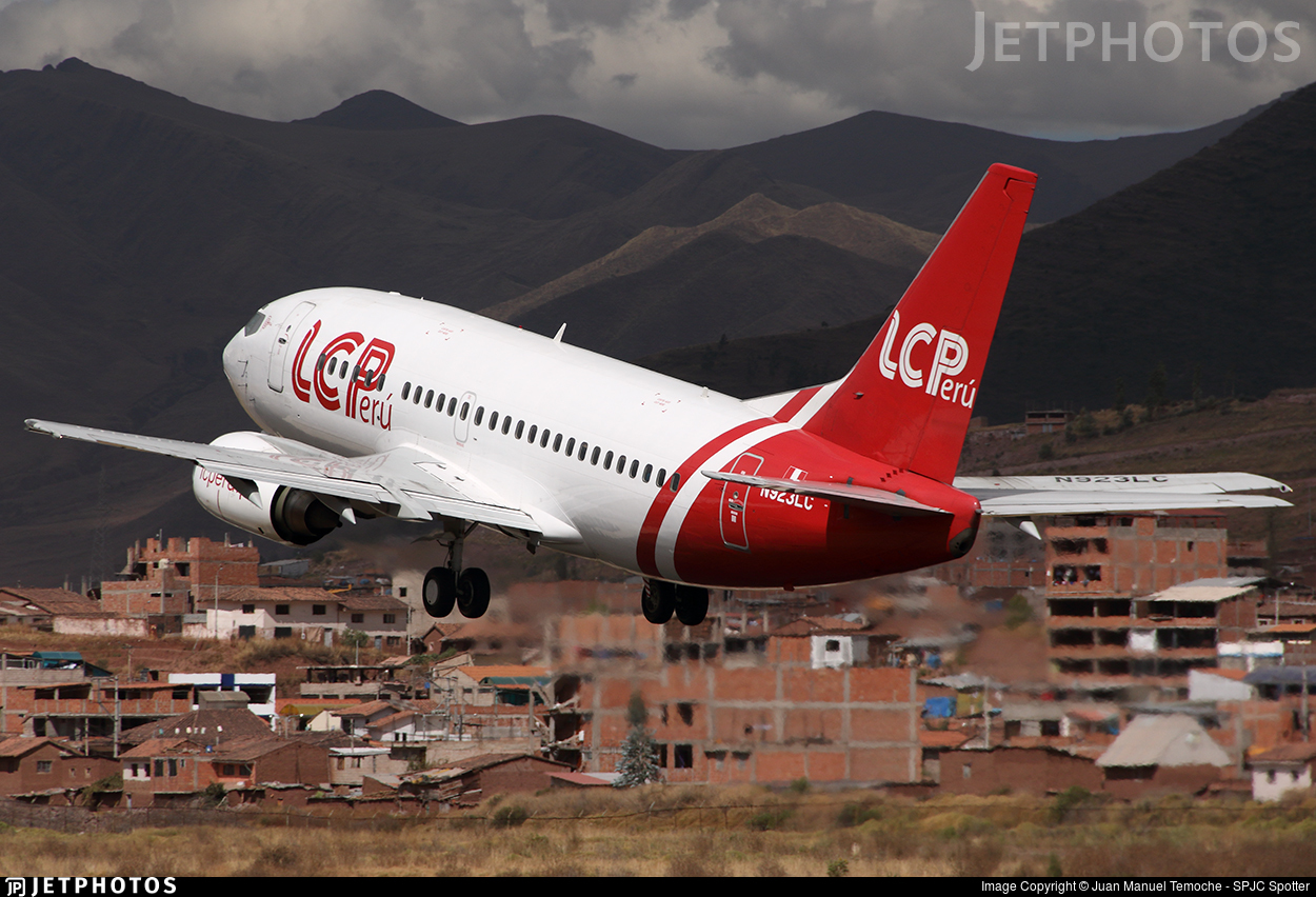 N923LC - Boeing 737-55S - LC Perú