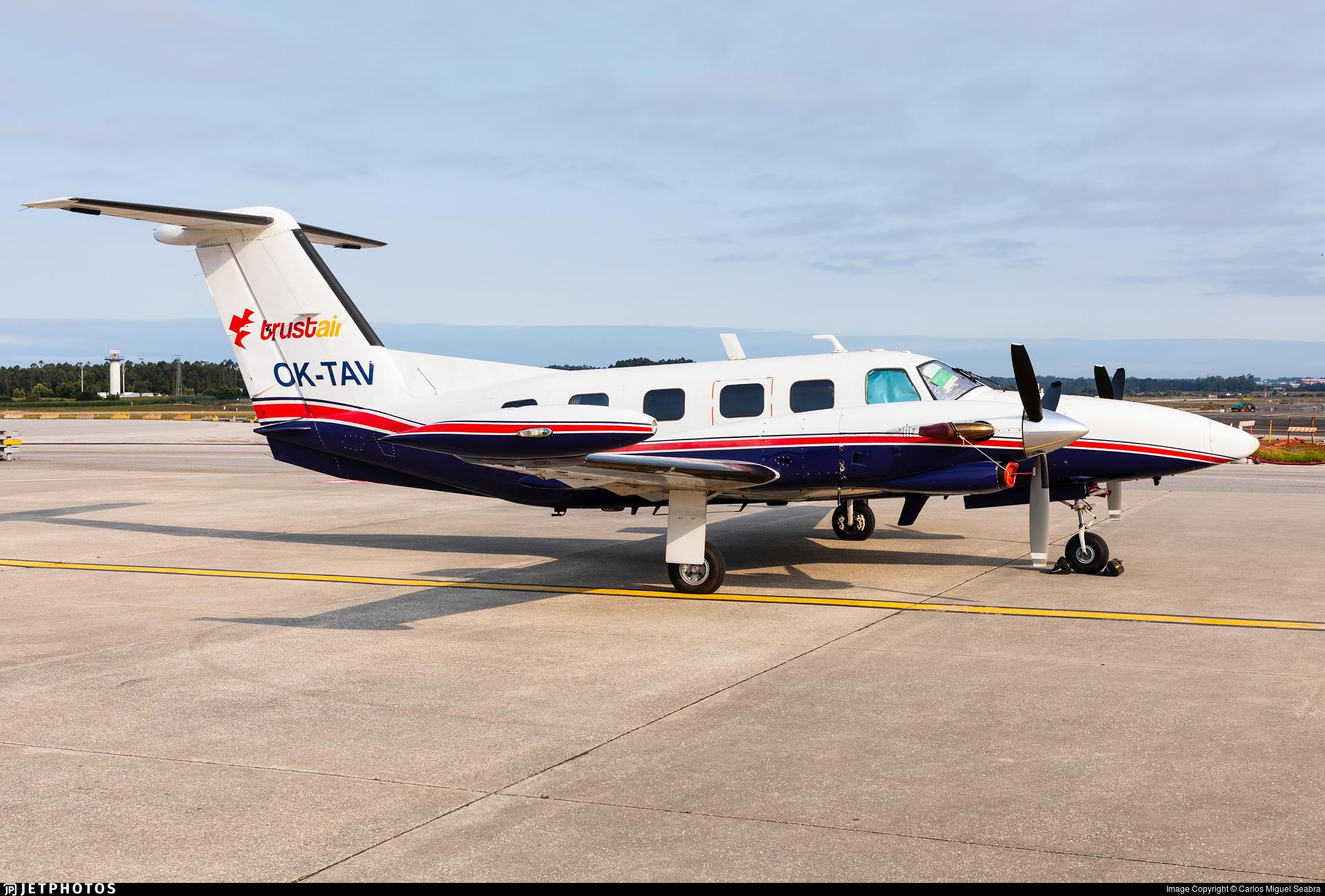 OK-TAV - Piper PA-42 Cheyenne III - Air Bohemia