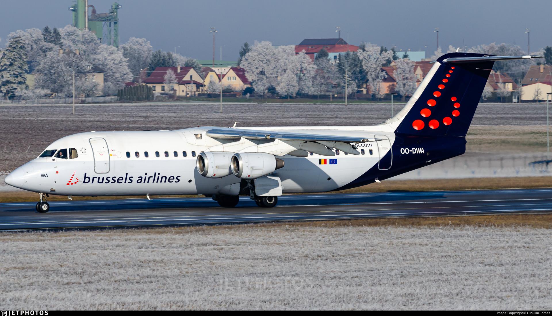 OO-DWA - British Aerospace Avro RJ100 - Brussels Airlines