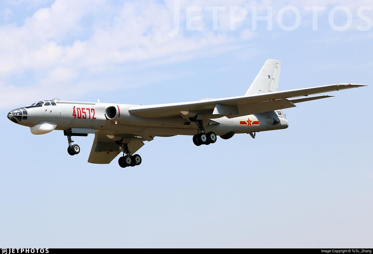 40572 - Xian H-6 - China - Air Force