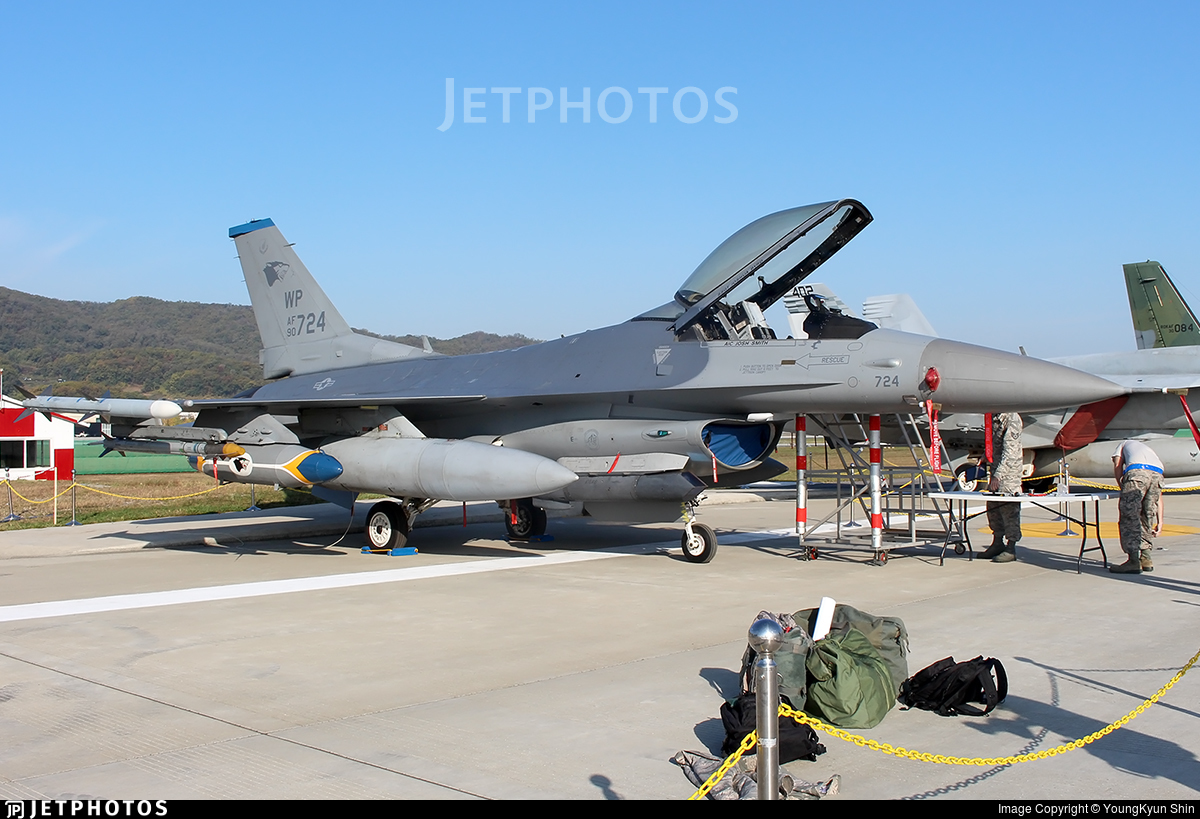 90-0724 - General Dynamics F-16C Fighting Falcon - United States - US Air Force (USAF)