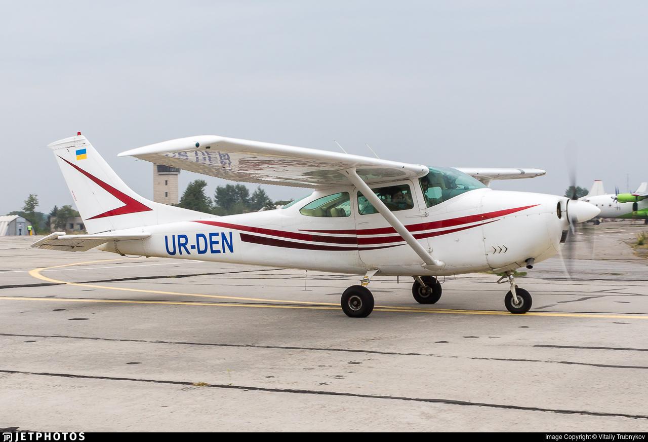 UR-DEN - Cessna 182L Skylane - Private