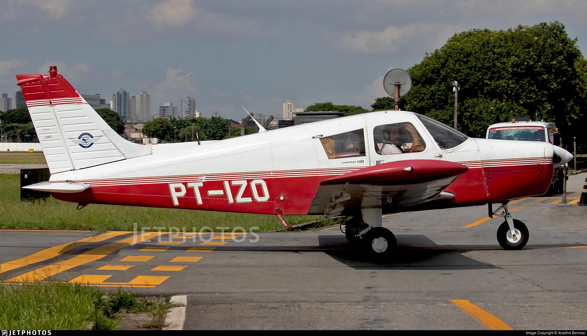 PT-IZO - Piper PA-28-140 Cherokee F - Aeroclube de São Paulo