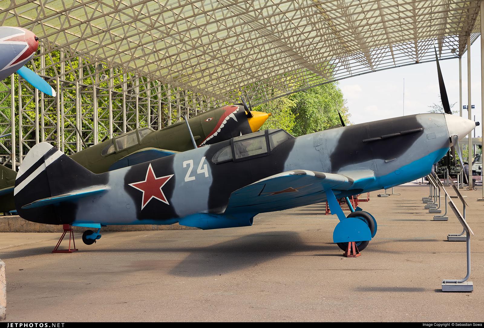 24 - Lavochkin LaGG-3 - Soviet Union - Air Force
