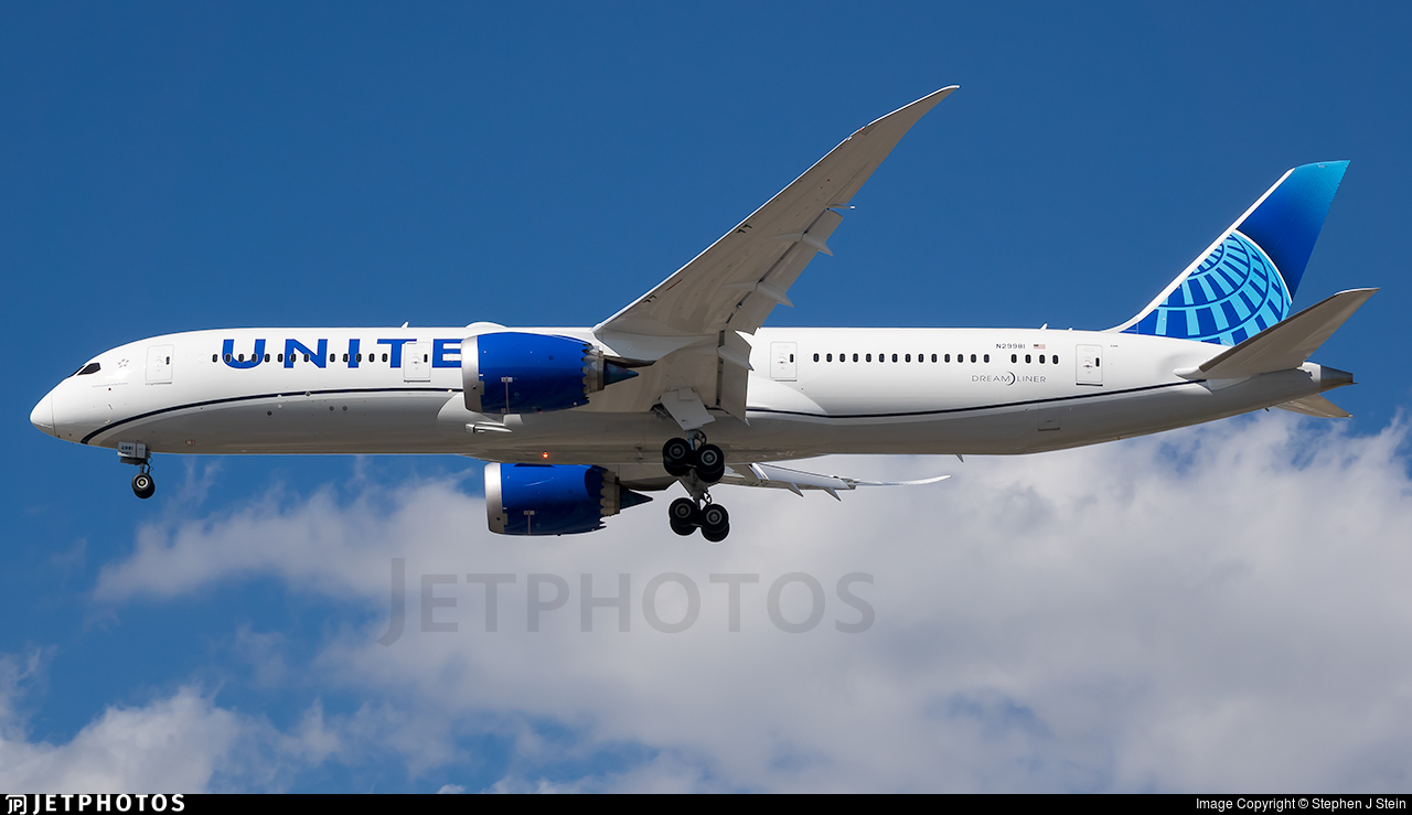 N29981 - Boeing 787-9 Dreamliner - United Airlines