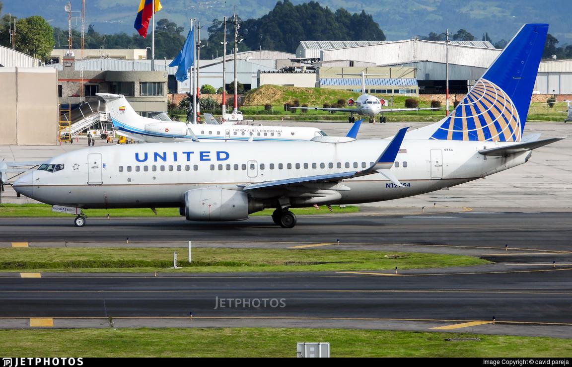 N12754 - Boeing 737-7V3 - United Airlines