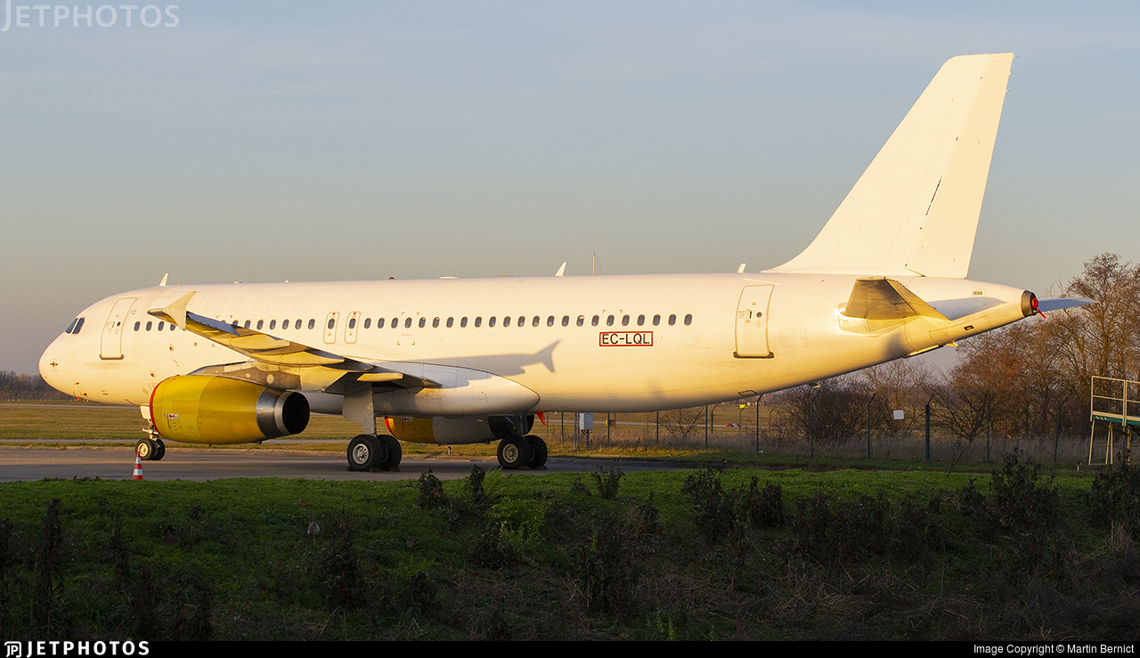 EC-LQL - Airbus A320-232 - Untitled