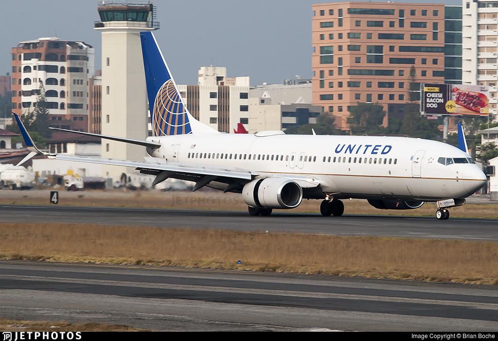 N37255 - Boeing 737-824 - United Airlines