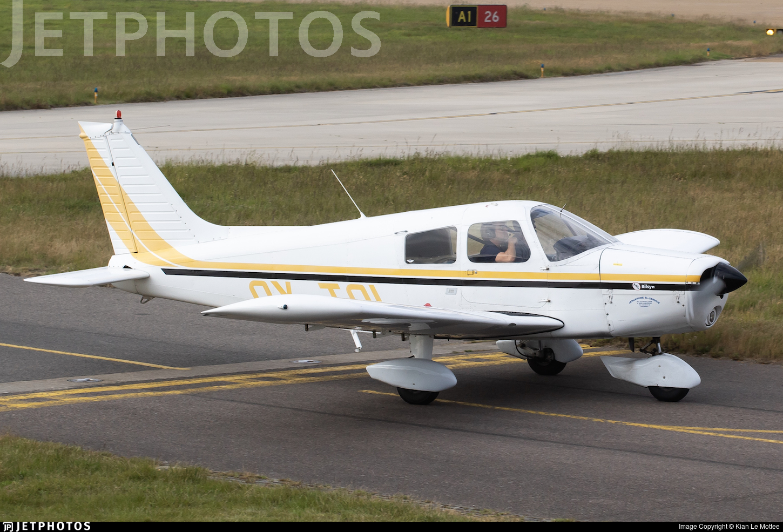 OY-TOI - Piper PA-28-140 Cherokee Cruiser - Private