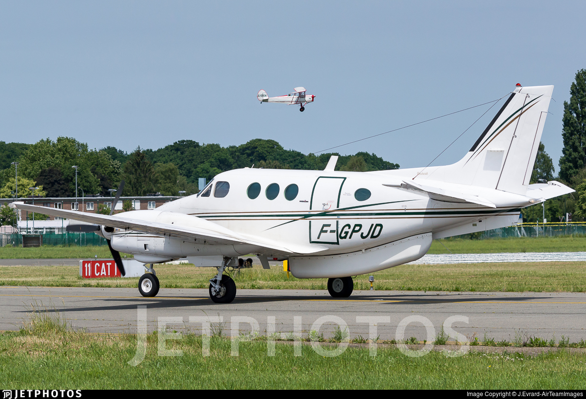 F-GPJD - Beechcraft E90 King Air - Private