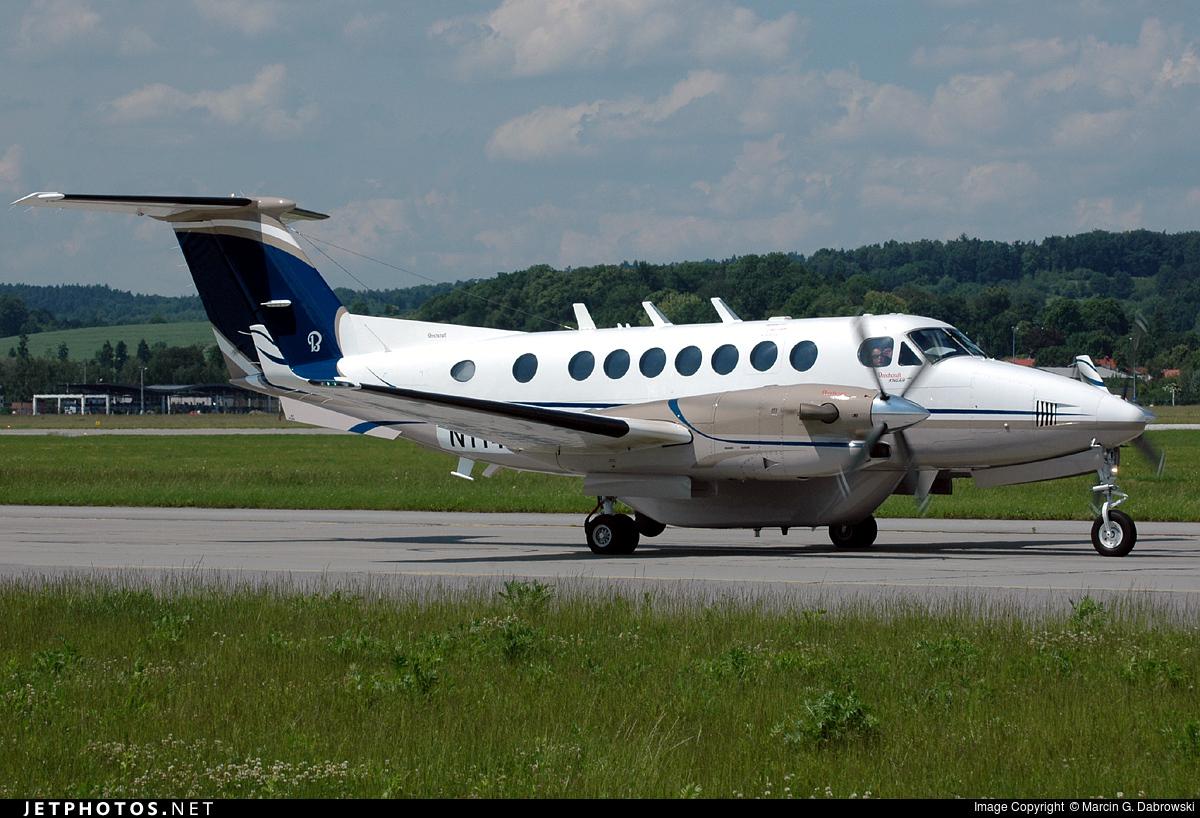 N1146A - Beechcraft B300 King Air 350 - Private