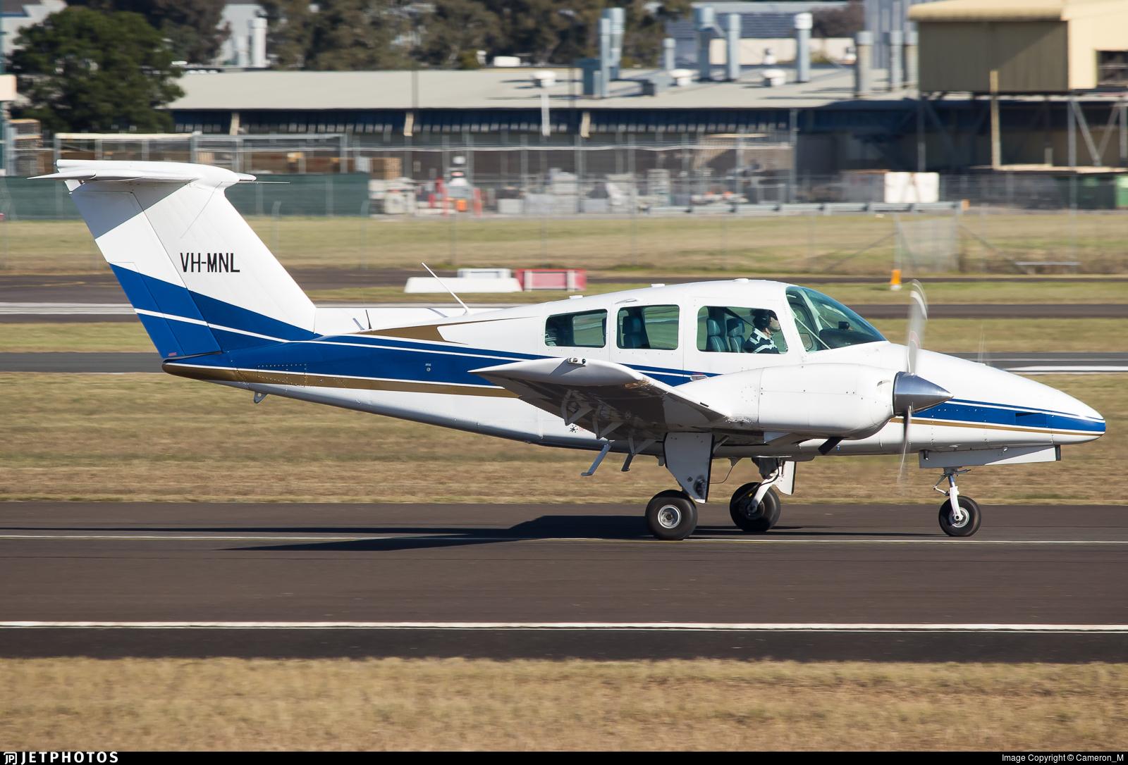 VH-MNL - Beechcraft 76 Duchess - Private