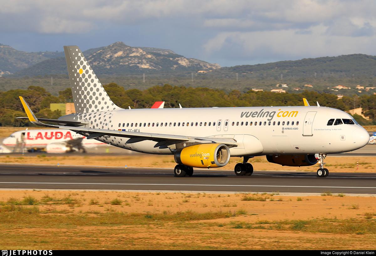 EC-MEA - Airbus A320-232 - Vueling