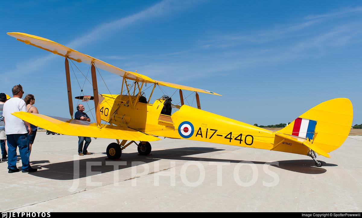 N17440 - De Havilland DH-82A Tiger Moth - Private