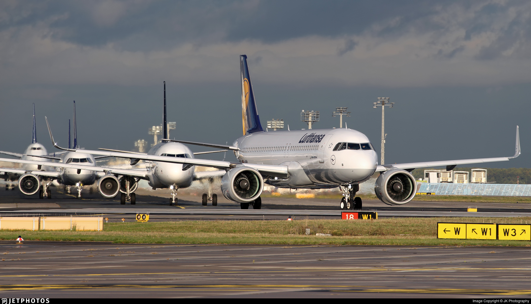 D-AINH - Airbus A320-271N - Lufthansa