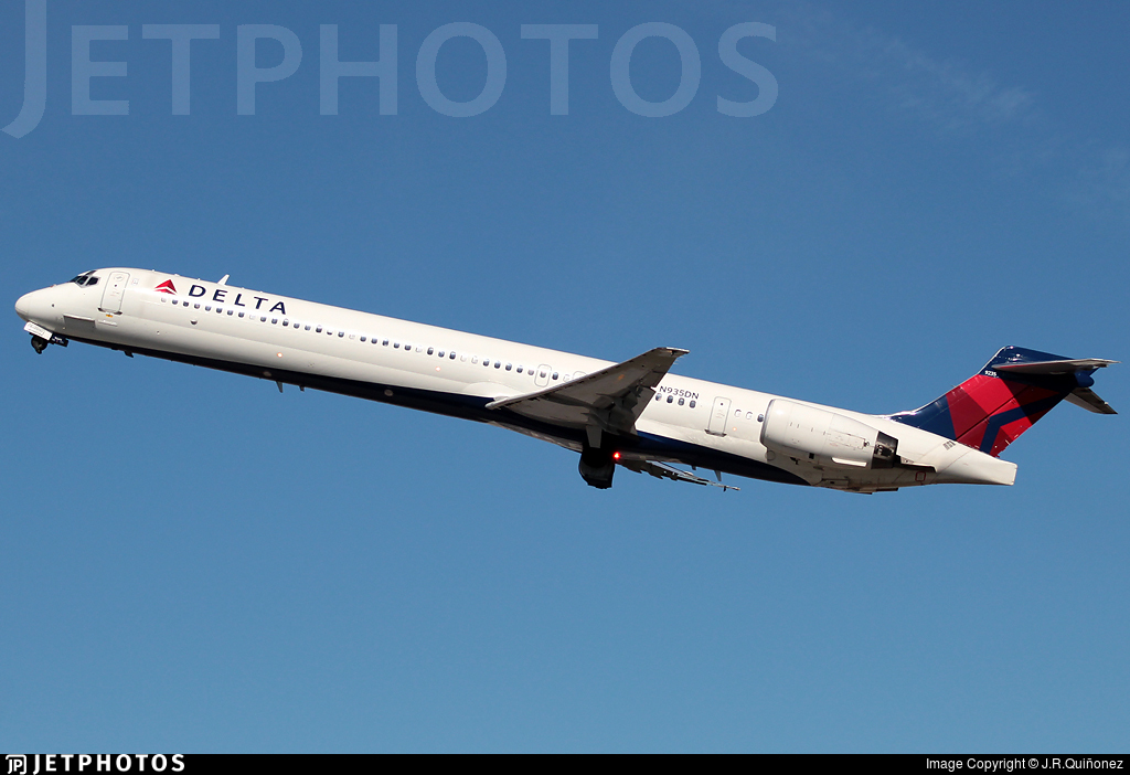 N935DN - McDonnell Douglas MD-90-30 - Delta Air Lines