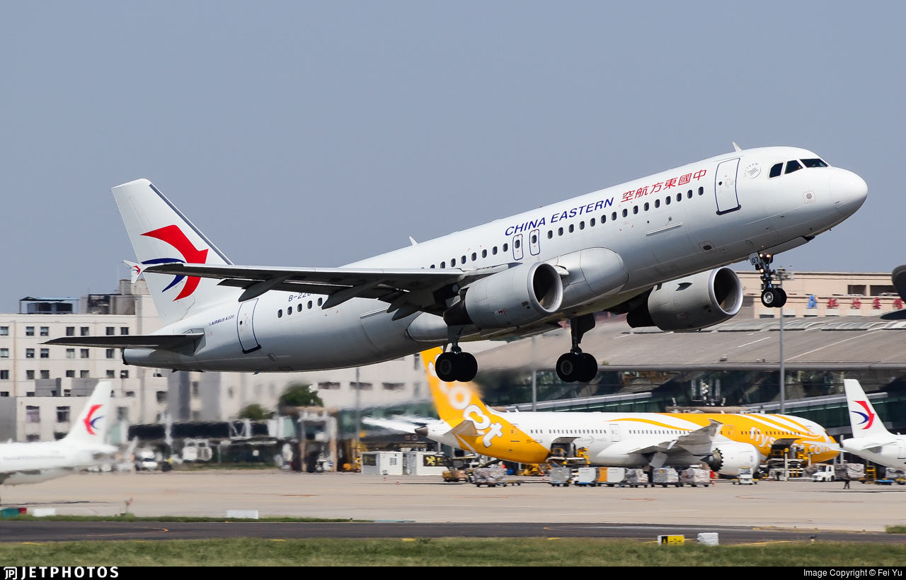 B-2207 - Airbus A320-214 - China Eastern Airlines