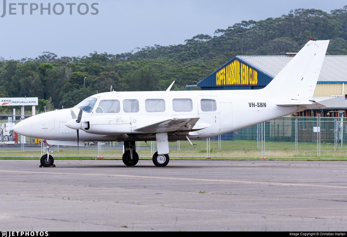VH-SBN - Piper PA-31-350 Navajo Chieftain - Private