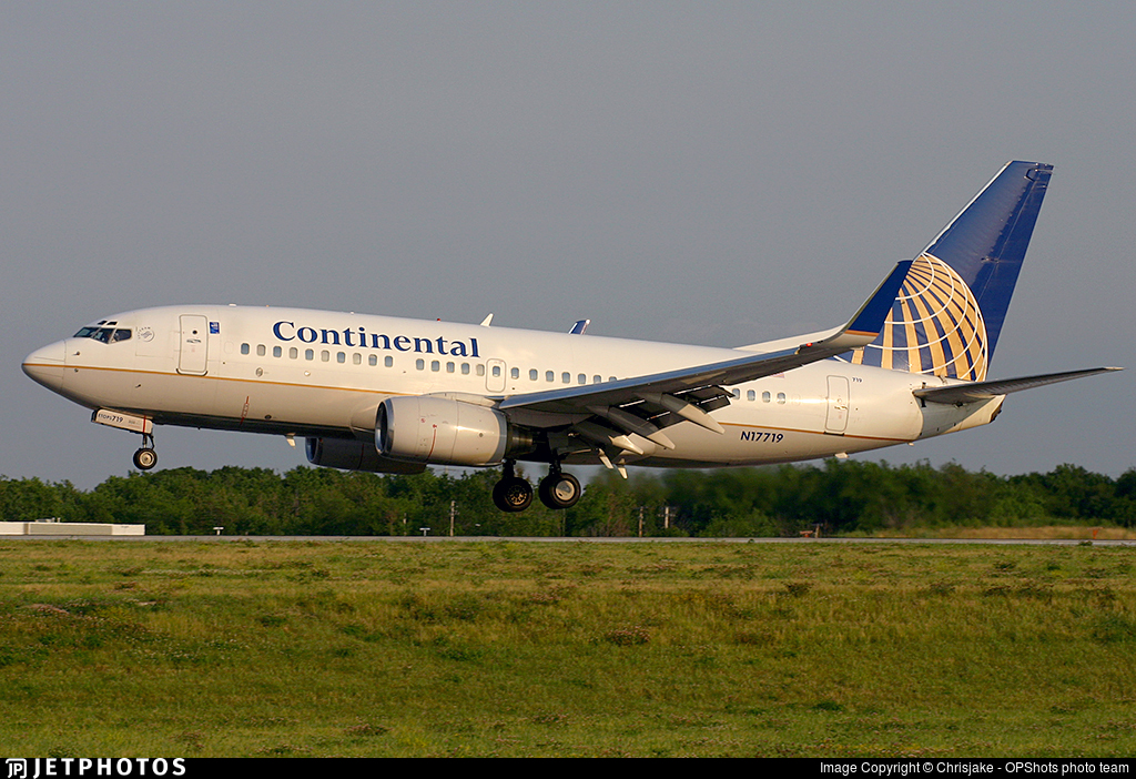 N17719 - Boeing 737-724 - Continental Airlines