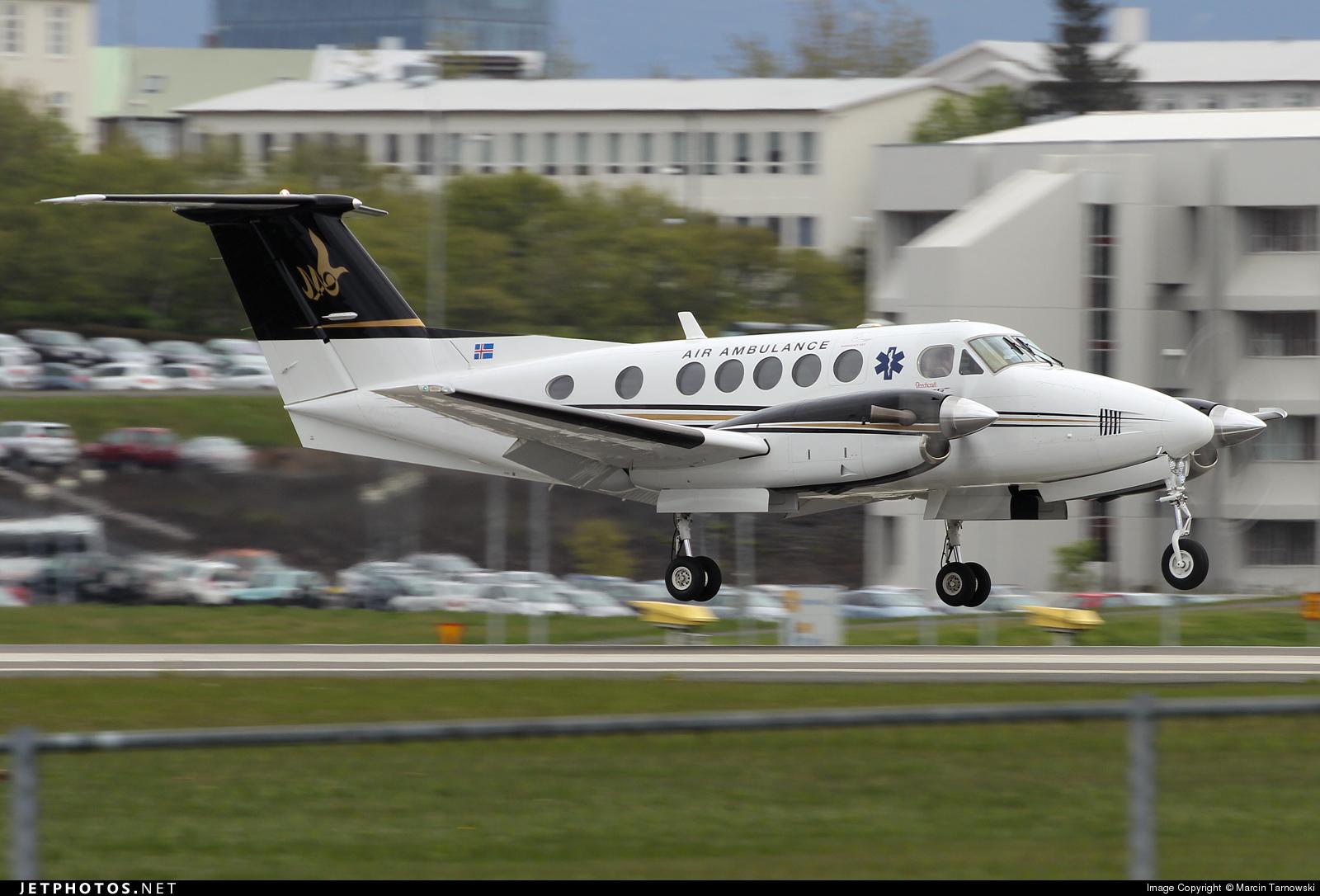 TF-MYA - Beechcraft 200 Super King Air - Private