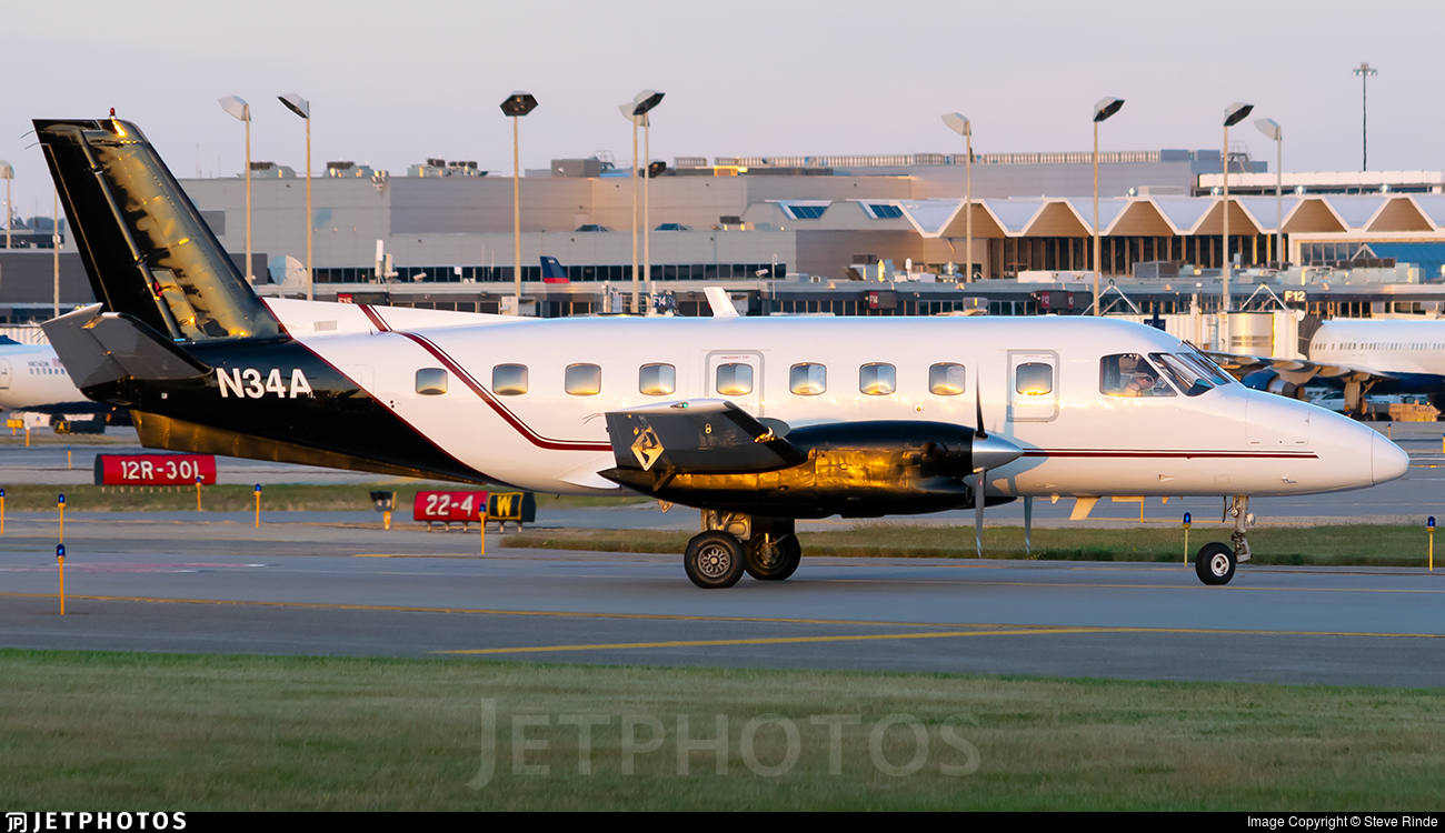 N34A - Embraer EMB-110P1 Bandeirante - Royal Air Freight