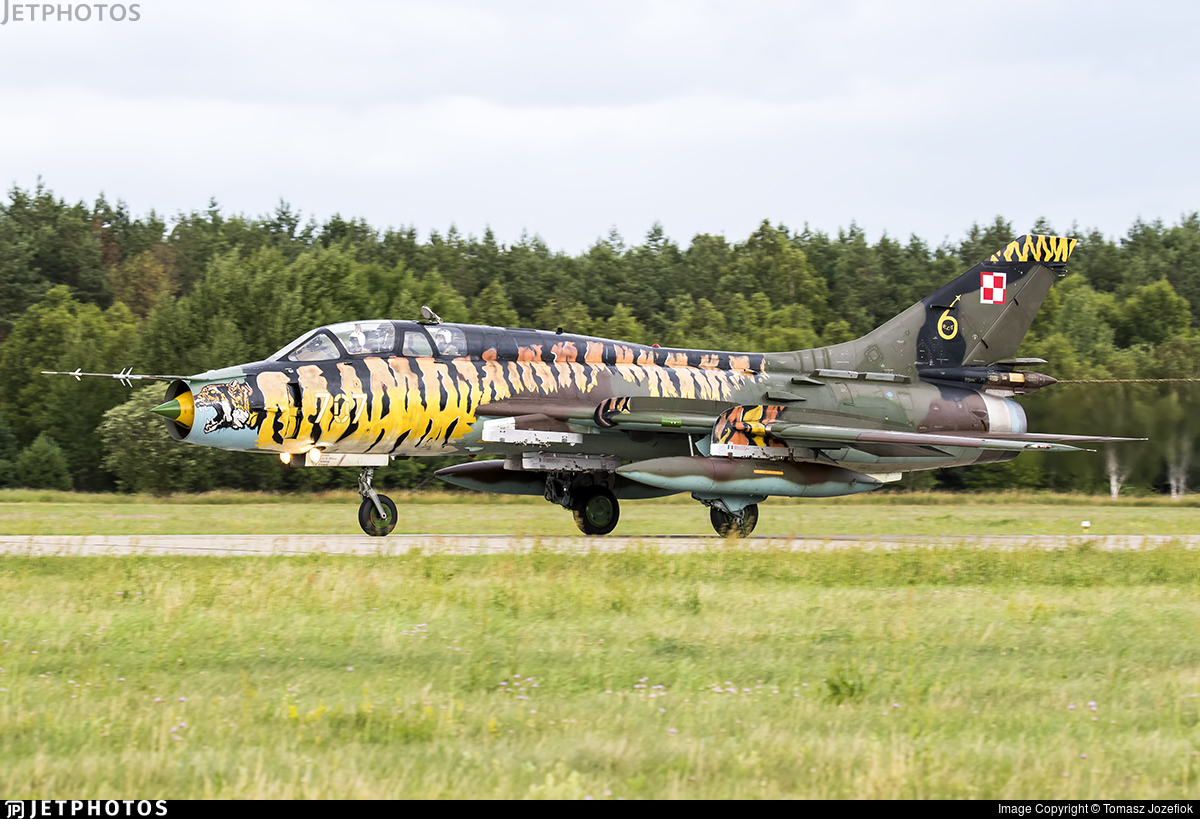 707 - Sukhoi Su-22UM3K Fitter G - Poland - Air Force