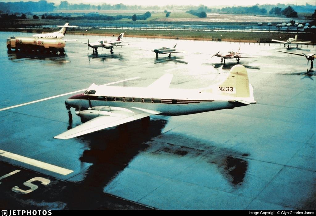 N233 - De Havilland DH-114 Heron - Private