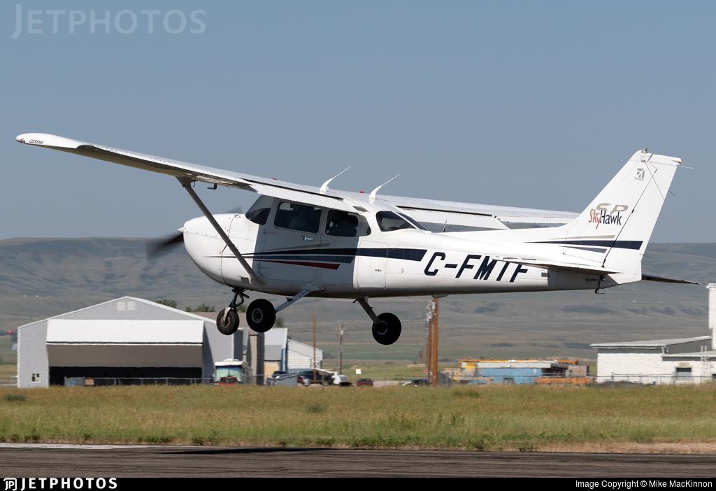 C-FMTF - Cessna 172S Skyhawk SP - Calgary Flying Club