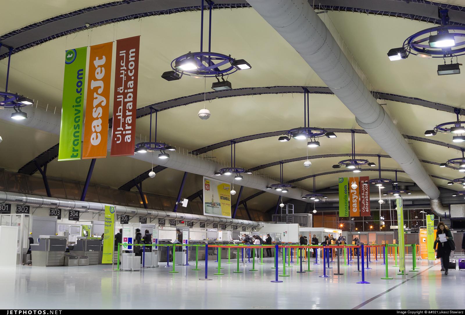 LFLL - Airport - Terminal