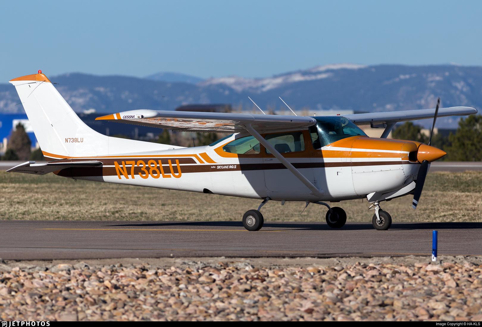 N738LU - Cessna TR182 Turbo Skylane RG II - Private