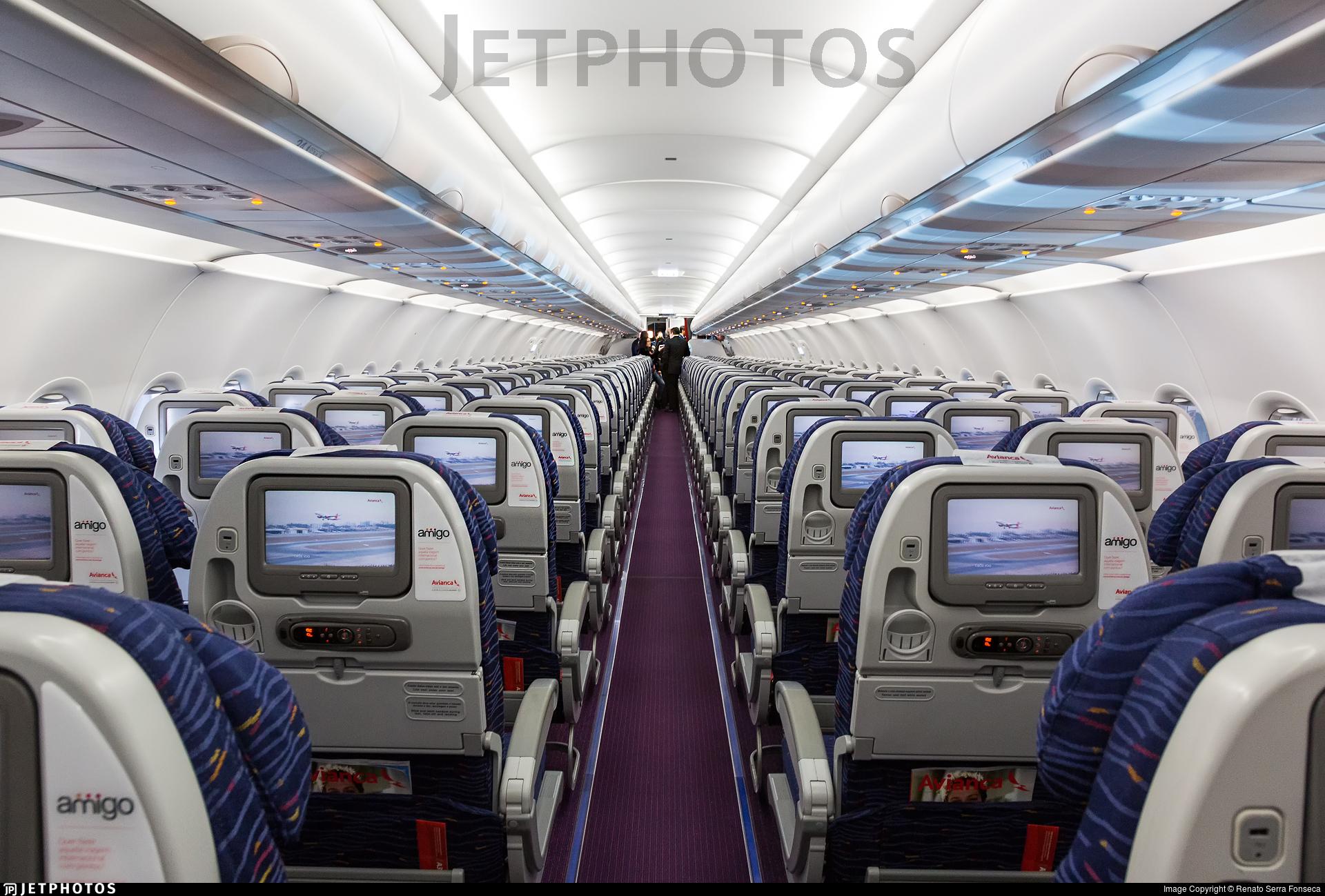 PR-AVR   Airbus A320-214   Avianca Brasil   Renato Serra Fonseca ...