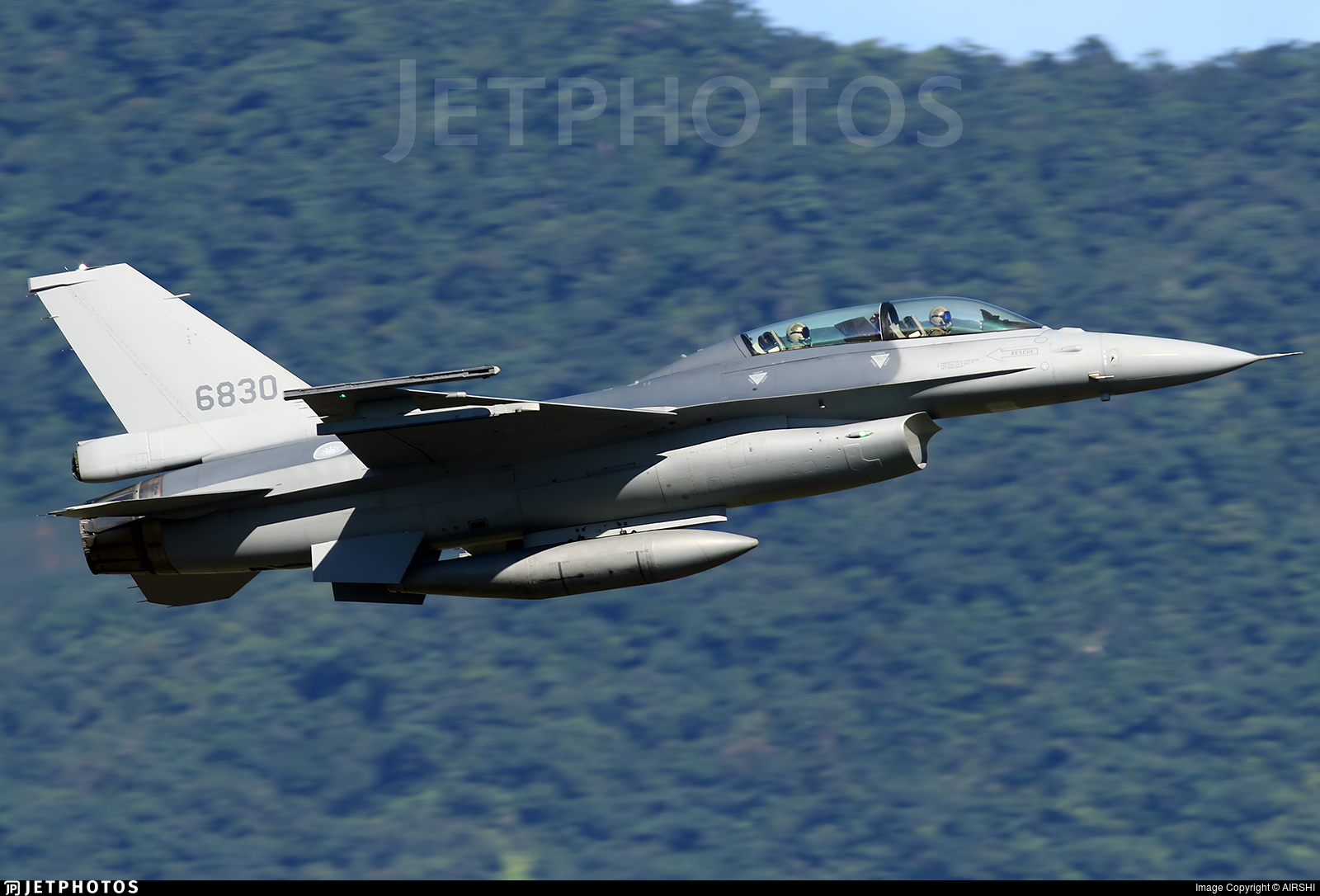 6830 - General Dynamics F-16BM Fighting Falcon - Taiwan - Air Force