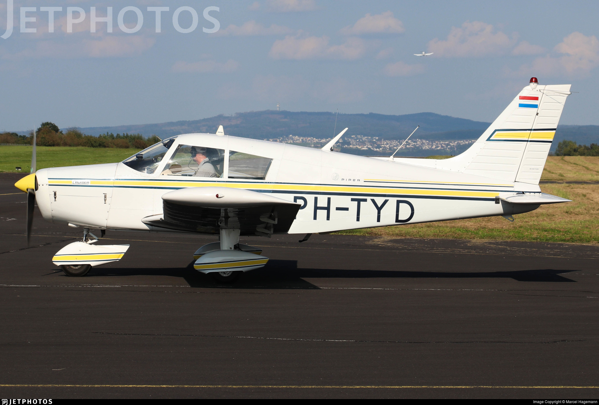 PH-TYD - Piper PA-28-140 Cherokee F - Private