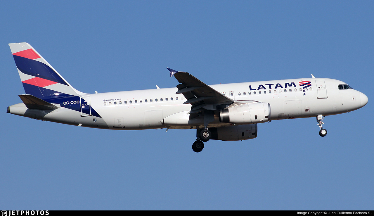 CC-COO - Airbus A320-233 - LATAM Airlines
