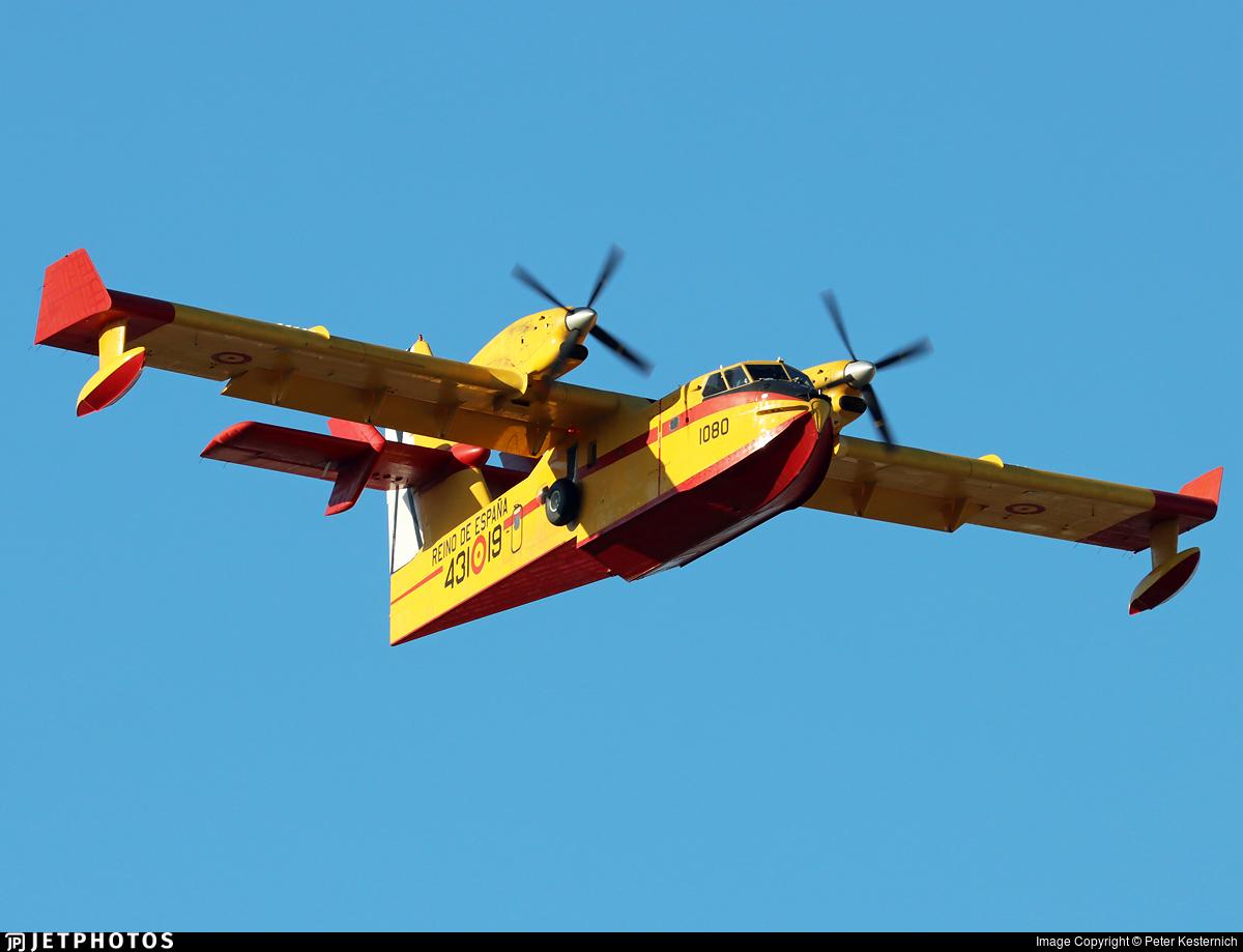 UD.13-19 - Canadair CL-215T - Spain - Air Force