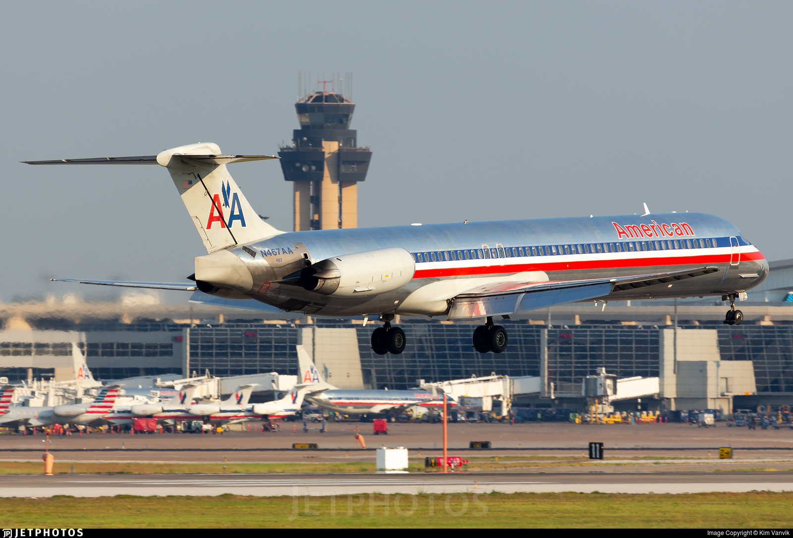 N467AA - McDonnell Douglas MD-82 - American Airlines