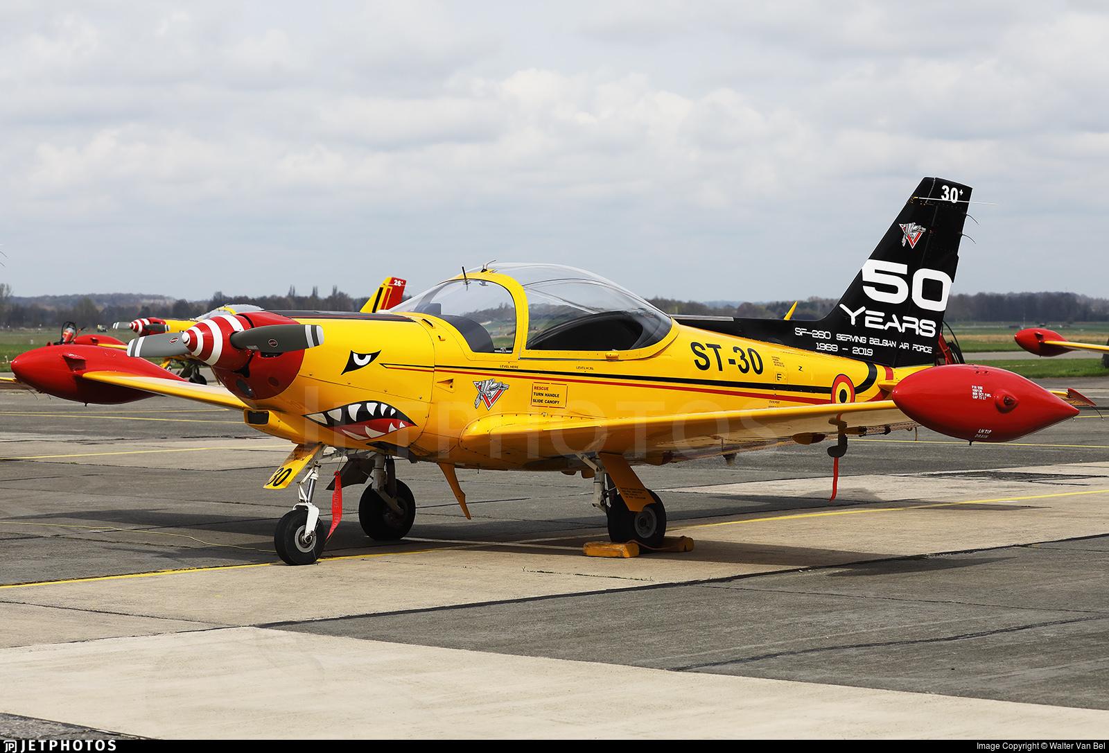 ST-30 - SIAI-Marchetti SF260M - Belgium - Air Force