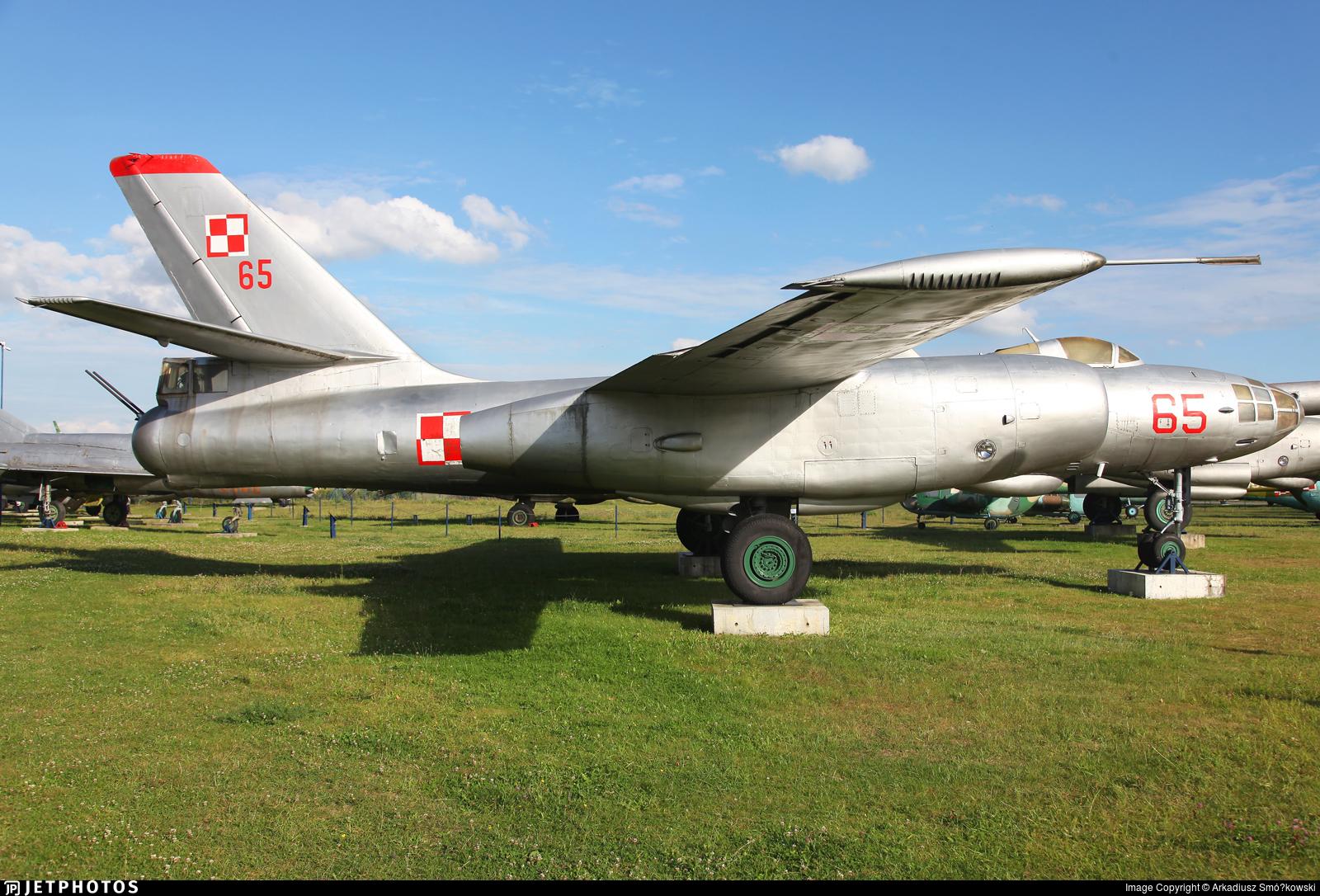65 - Ilyushin IL-28 Beagle - Poland - Air Force
