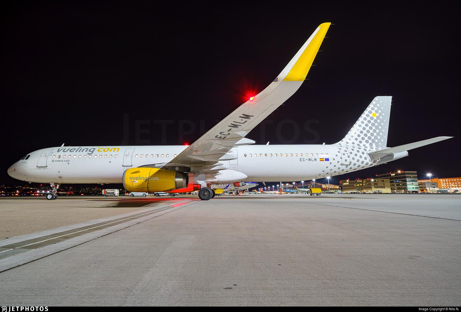 EC-MLM - Airbus A321-231 - Vueling