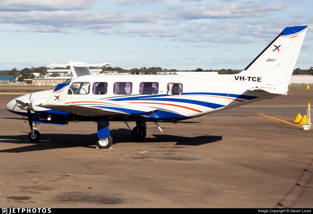 VH-TCE - Piper PA-31-350 Chieftain - Private
