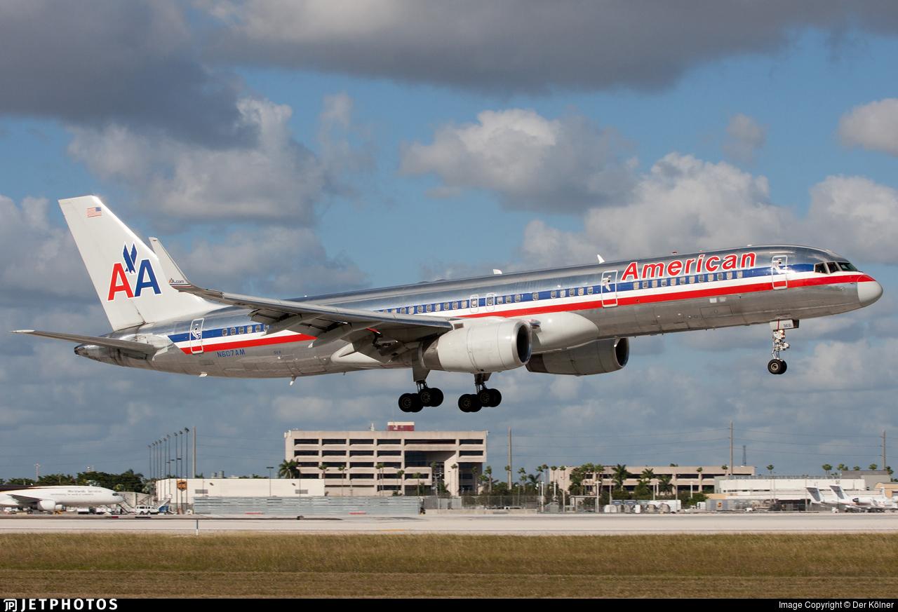 N607AM - Boeing 757-223 - American Airlines