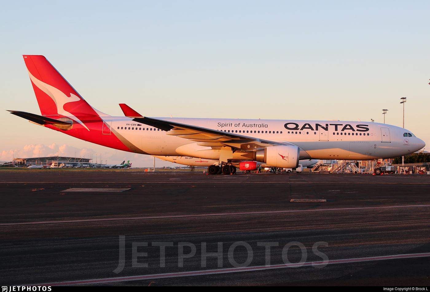 VH-EBN - Airbus A330-202 - Qantas