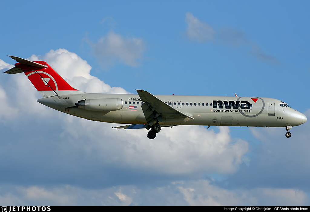 N8923E - McDonnell Douglas DC-9-31 - Northwest Airlines