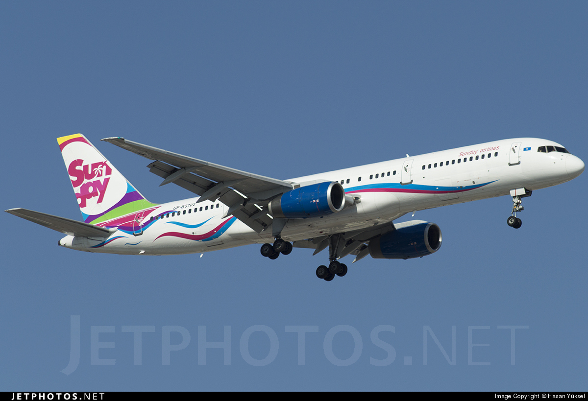 UP-B5702 - Boeing 757-21B - Sunday Airlines