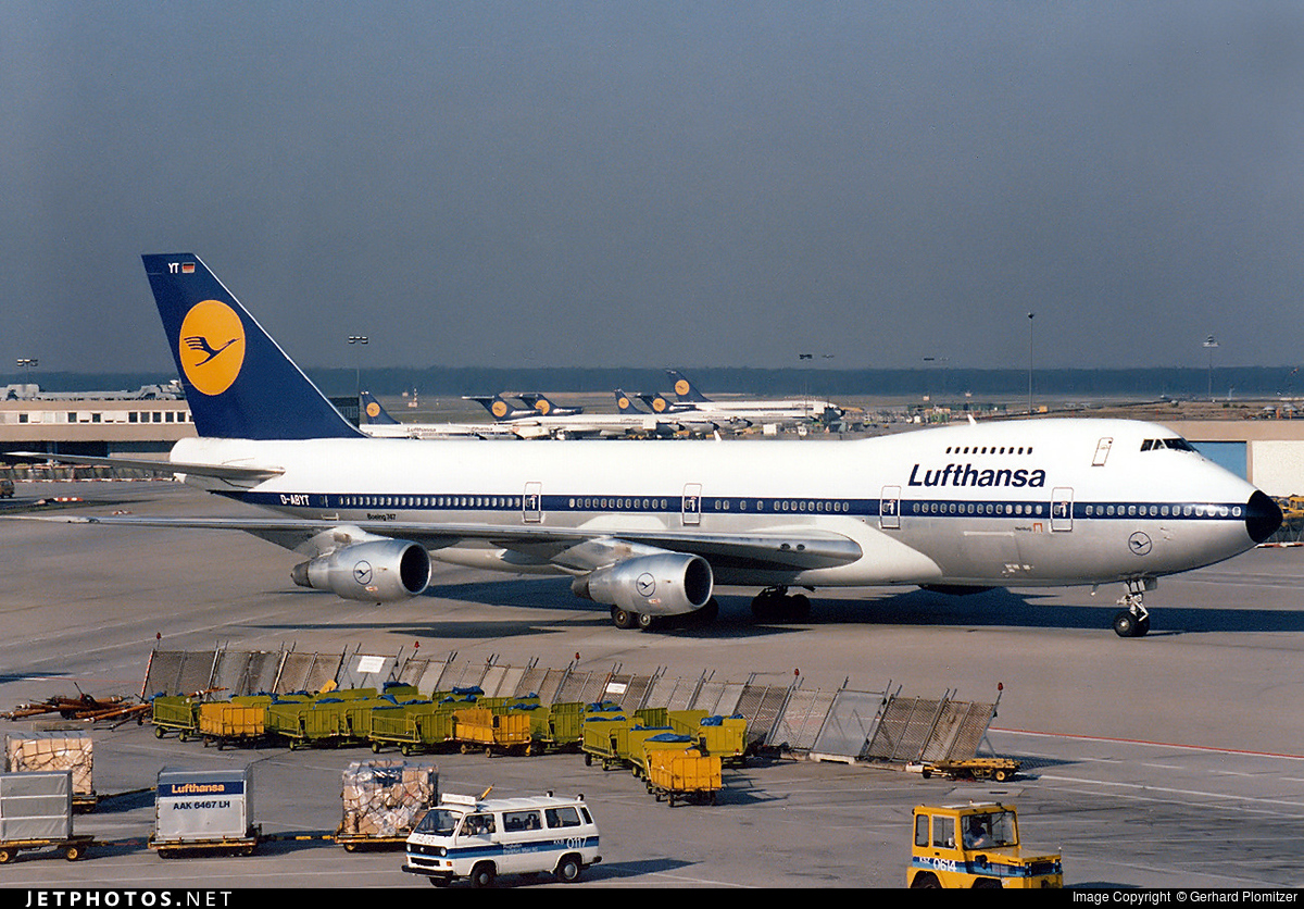 D-ABYT - Boeing 747-230B(M) - Lufthansa